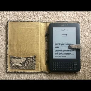 Cole Haan Accessories - Cole Haan leather Kindle cover